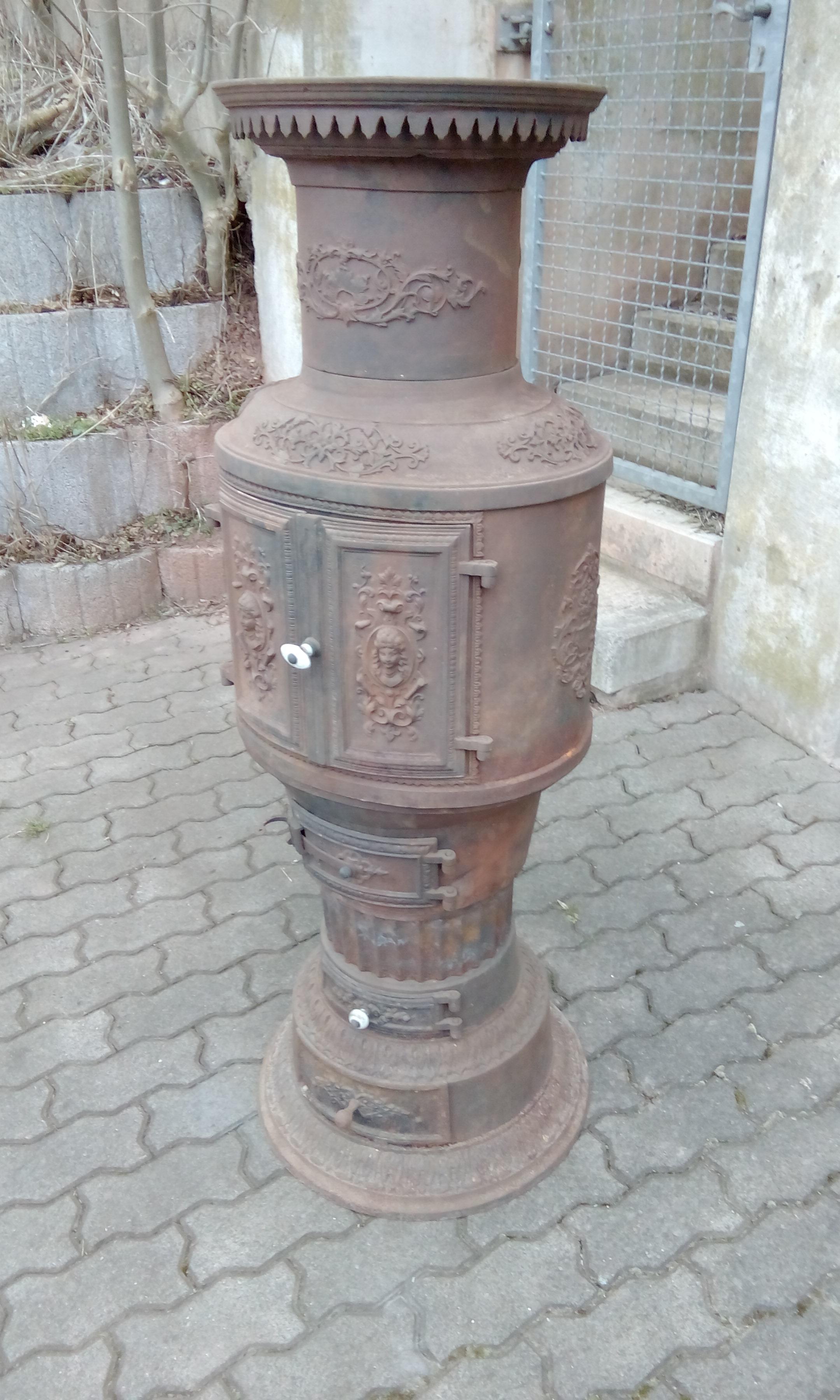 Antiker Ofen